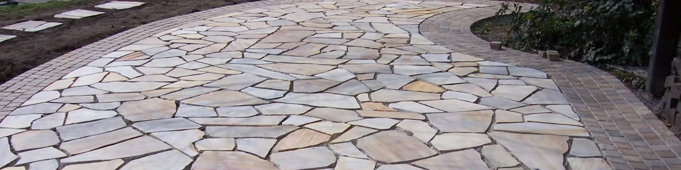 Pflasterungen aus Natursteinen, Bannwegbau Saarlouis